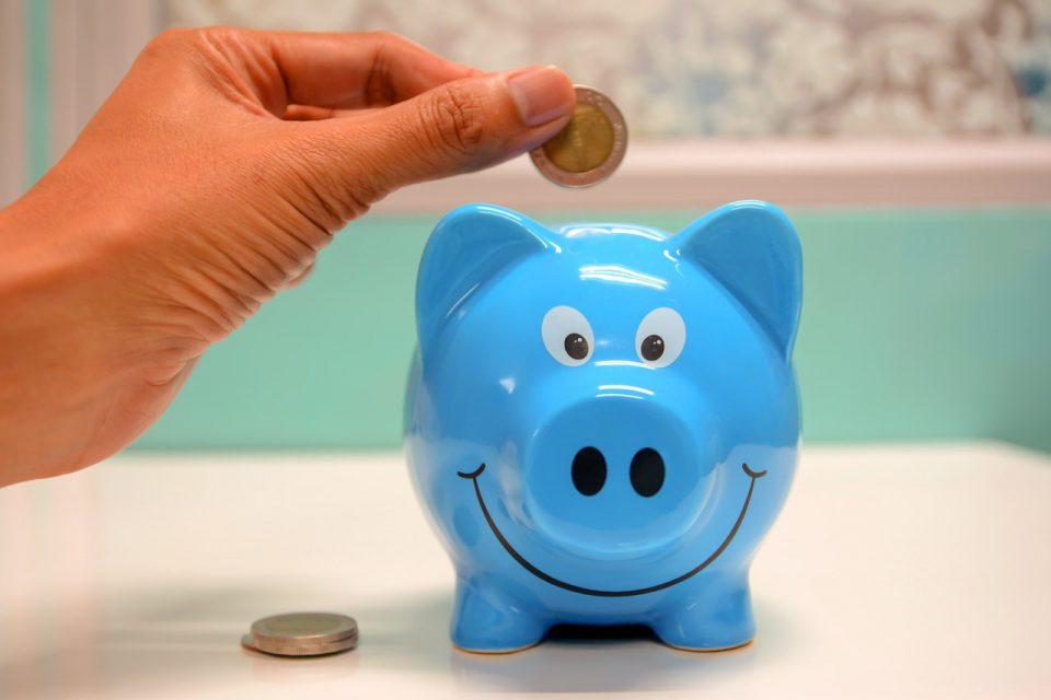 5 dicas para economizar dinheiro nas despesas de sua casa (Foto de maitree rimthong no Pexels)